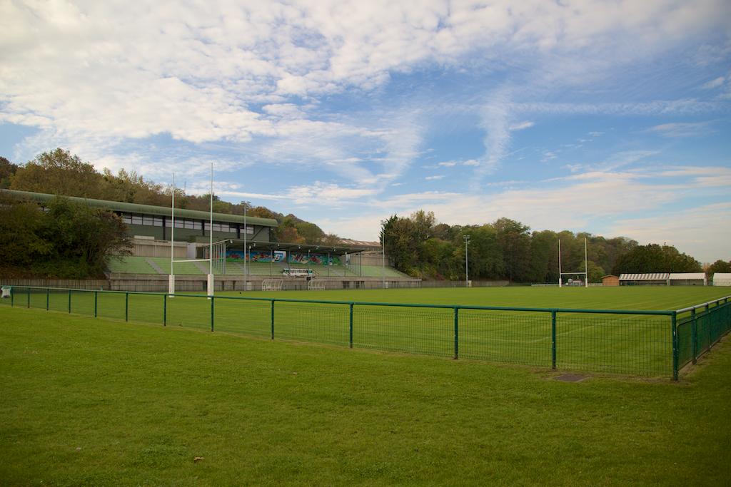 Terrain d'honneur du stade Jean Moulin